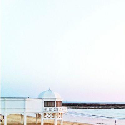 Y ahí está La Caleta... Buenos días #cadiz Cadiz FotoDelDia Gf_spain Iphone4 Instagood Statigram Asiesandalucia Igerandalucia Summer Igerasiesandalucia Beach Igerscadiz Sun Hablamedelmarmarinero Sunset Barbadillo Powerwhitesky Pixoftheday Andalucía Playa