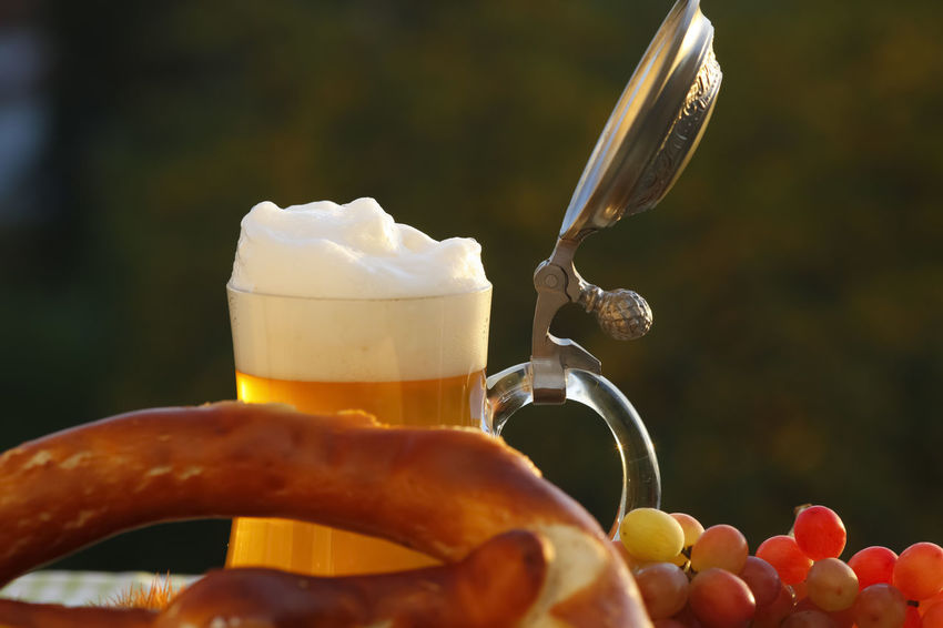 Hefeweizenbier im Herbst,Germany Autumn Autumn Collection Autumn Colors Beer Bier Erfrischung Food And Drink Getränk Hefeweizenbier Hefeweizen🤗 Weissbier Beer - Alcohol Beer Glass Beer Time Biergarten Food Garden Garten Glass Oktober Park