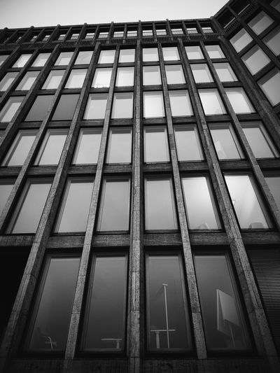 Full Frame Pattern Backgrounds Architecture Sky Seamless Pattern Grate Geometric Shape Hexagon Office Building Building Repetition Architectural Detail Triangle Shape Honeycomb Diamond Shaped Grille Square Shape Metal Grate Geometry Triangle Rectangle Grid Skylight Crisscross