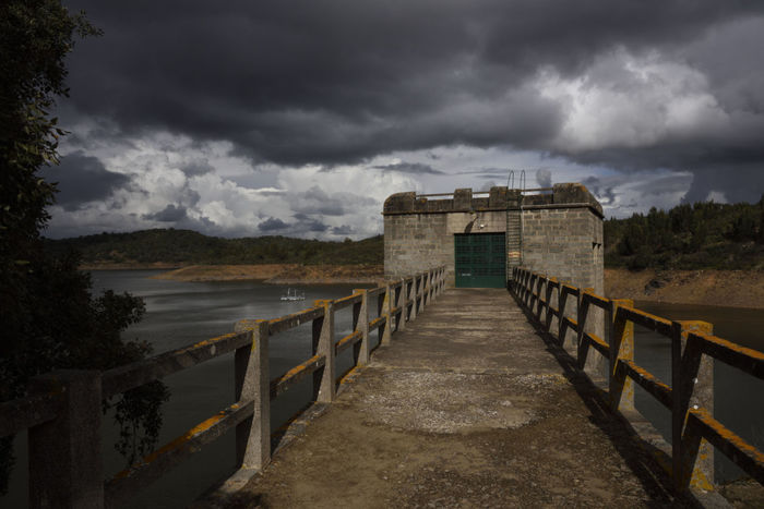 Dum / Barragem de Pego do Altar - Alcácer do Sal - Alentejo Alcacer Do Sal Alentejo,Portugal Barragem Built Structure Clouds Dramatic Sky Dum Mistery Pego Do Altar Portugal Sky And Clouds Water