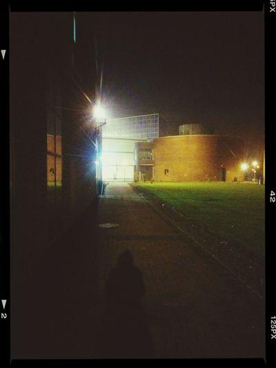 深夜に図書館から帰る。 なぅ 勉強 Studying