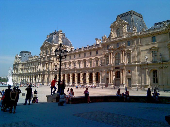 Famous Place Architecture Architecture_collection Tourist Attraction  Paris Paris ❤ Paris, France  Architectural Detail Tourists Tourism The Louvre Museum  Louvre Louvremuseum Showcase March