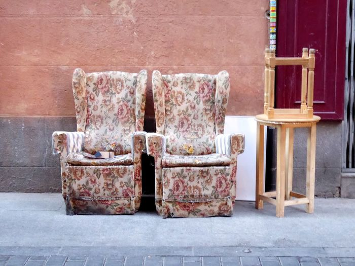 Streetphotography Armchair Armchairs Armchair Row Armchairs Outside Purple Retro Retro Styled EyeEm Selects Stack Close-up Architecture Historic Vintage Pansy Brick Wall Wall - Building Feature Residential Structure Stone Wall Exterior EyeEmNewHere