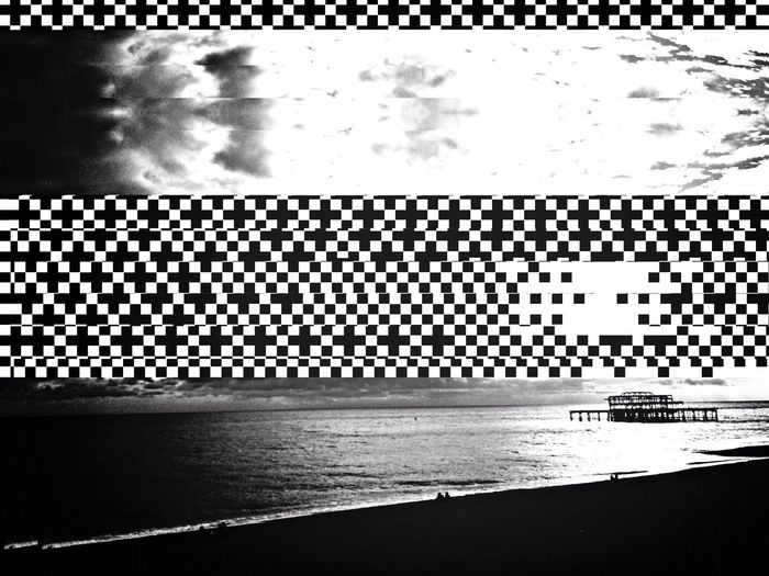 Abstract Decim8 Seafront