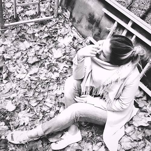 Young Women Me Myself And I Me :)  Fall Blackandwhite First Eyeem Photo