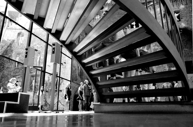 Indoors  Human Body Part Architecture People Black And White Photography Catalunyalove Black&white EyeEm Museo Dali Large Group Of People Stairs_collection Stairs Geometry Bnw_collection Art Is Everywhere Business Stories