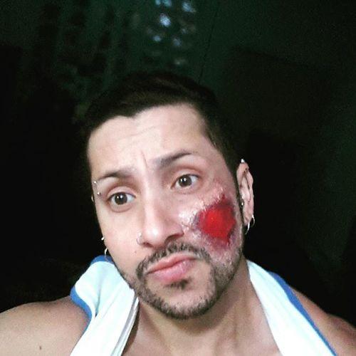 Today i hurt myself...😆😅😂 Instagram Maquiagem Makeup Hallowen DiaDasBruxas Experimental Sangue Ferida Machucado HurtFace