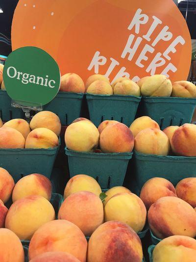 Organic Organic Food Organic Peaches Fruit Fruit Stand Fruitporn Fruit Photography Fruits Peach Peaches Stockphoto Stockphotography