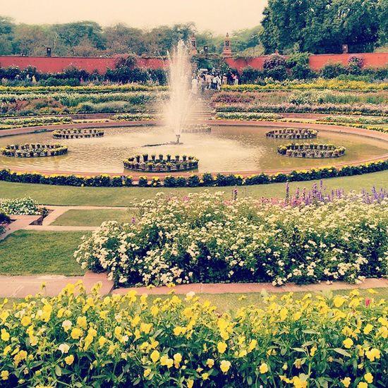 Tour de Mughal Garden. MughalFeel Admirebeauty Sidtraveldiaries