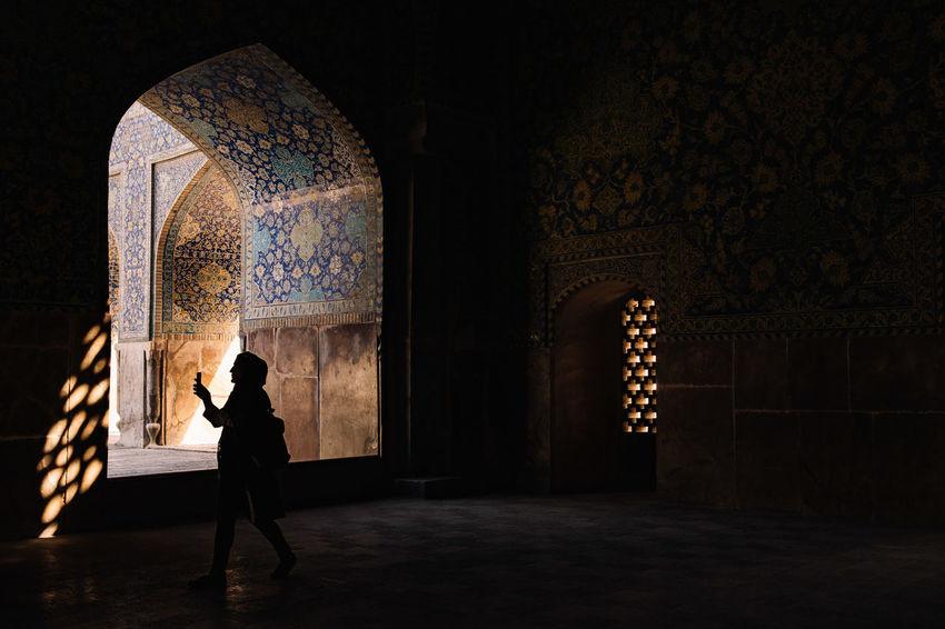 discover Imam Mosque Isfahan,IRAN Mosaic Tiles Safavid Shah Mosque UNESCO World Heritage Site Unesco Welkulturerbe Arch Calligraphic Iran Irantravel Isfahan Islam Islamic Architecture Minaret Moslem Persia Persian Architechture Religion Religious Building Royal Mosque Silhouette Travel Destinations