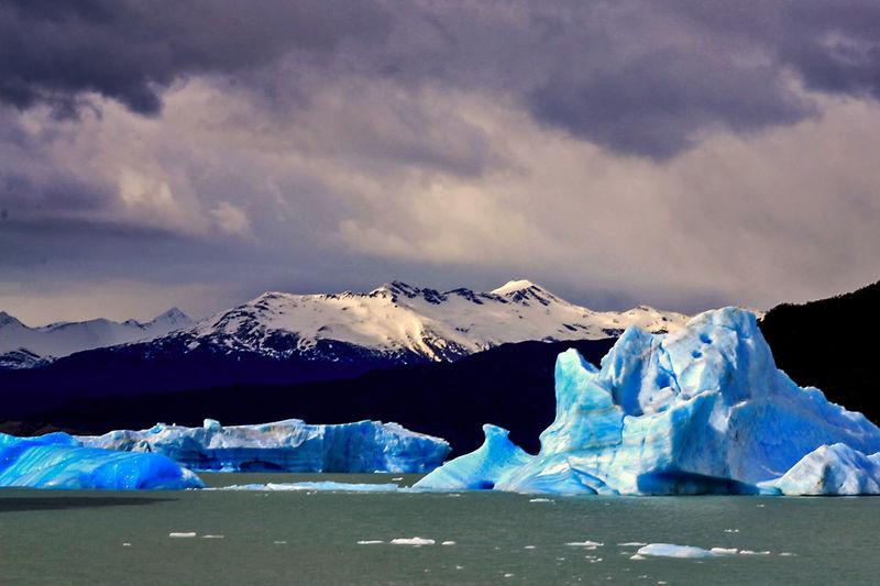 Icebergs in the