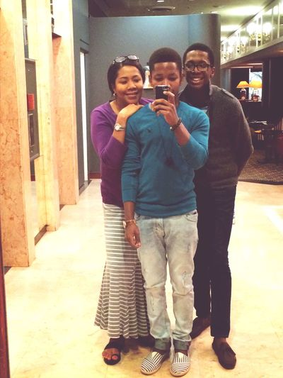Family ♥ Mother never ages