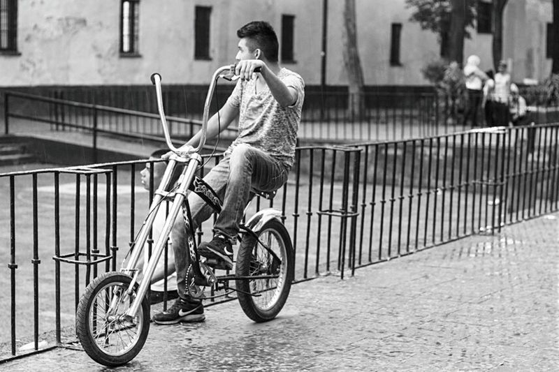 Vagabundo Streetphotography Street Photography Blackandwhite Bicicle Enjoying Life Mexico City