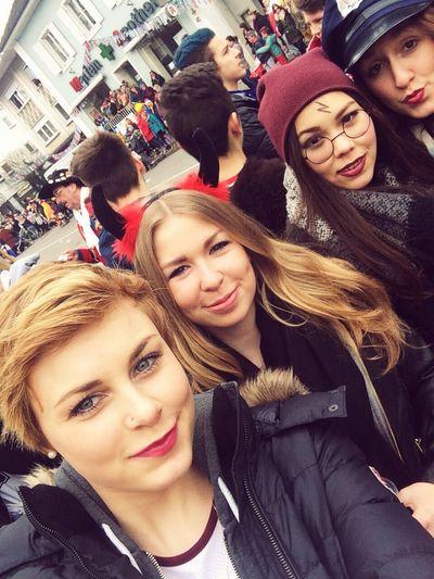 Love Mygirls Evil Police Harrypotter Fasnacht Chillin Friendship Blonde Girl Brownies