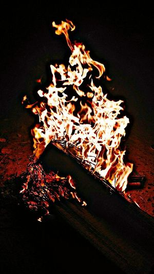 Fire dances with Rythm Bhogi Indian Festival Tamil Festival Fire Fire Dance Power In Nature Beauty Of Nature Fire ! Hot Place Hotty  India South India Nature Love In Nature Emotions Of Nature View EyeEm Best Shots EyeEm Nature Lover Eyeemphotography Eyeem Market EyeEm The Best Shots Black Background Flame Illuminated Heat - Temperature Bonfire Molten Close-up Firewood EyeEmNewHere This Is Masculinity Modern Workplace Culture Moving Around Rome Go Higher Inner Power This Is Queer
