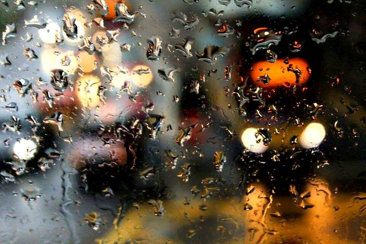 Deceptively Simple Water_collection Raindrops RainyDay HongKong Traffic Light Creative Artisticphotography