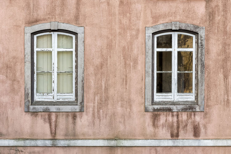 Weathered Beautiful EyeEm Best Shots EyeEm Selects EyeEm Gallery Pink Pink Wall Portugal Portuguese Portuguese Architecture Weathered Architectural Detail Architecture Charming No People Pair Two Window Windows Stories From The City