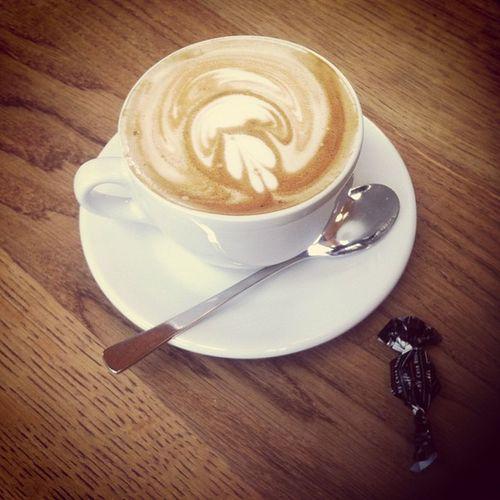 Flat White mit fraulee doroteha daehoonyom #coffeediary Coffeediary