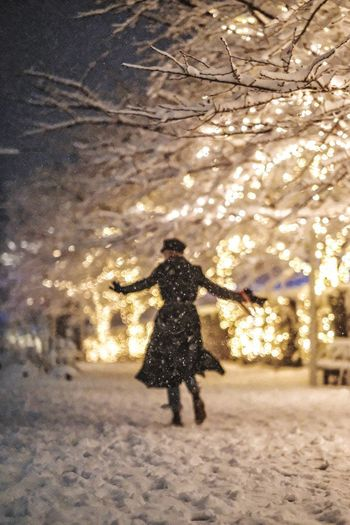 Winter Dance ► w/ @mariyahummingbird Tokyo Illuminated Full Length Night Real People Winter Walking Shades Of Winter One Person Snow Snowing Cold Temperature Rear View