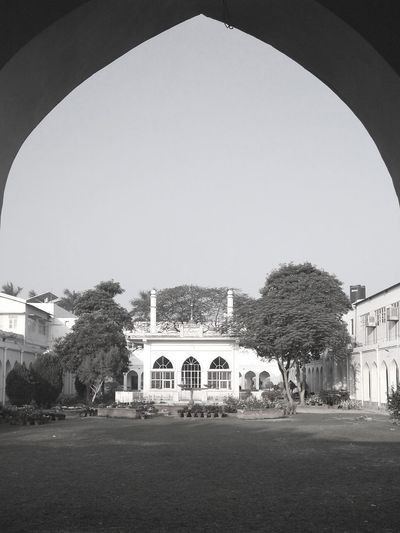 More Symmetry, more beauty. Amu Aligarhmuslimuniversity Aligarh Dswritter Dharmendra Singh Kuntal ZHCET,AMU monochrome photography Monochrome Architecture Built Structure Arch Entrance Building Exterior Façade Dome Outdoors No People Day