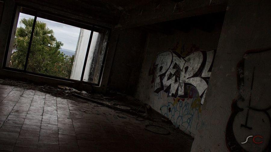 Graffiti Old Hotel Abandoned Abandoned Places Santa Cruz Madeira Window Canon EOS 700D Canon Canonphotography Canon_photos