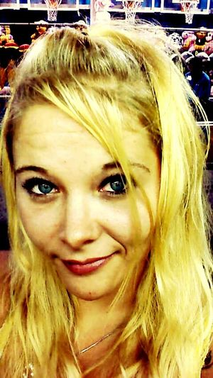 Fairground Blonde Girl Blonde Hair Blue Eyes Southern Belle Southerner South
