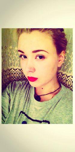 Hello World Girl Selfie