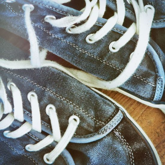 Close Up Close-up Denim Directly Above EyeEm Gallery Eyelets Fashion Floor Jeans Lifestyles Need For Speed No People Rivets Shoelaces Shoes Sport Shoes Sports Stich Stiched Still Life Urban Fashion Urban Lifestyle Used Lieblingsteil