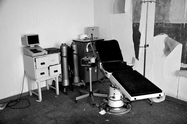 Art Is Everywhere Lostplaces Abdoned Abdoned Bildung Dentist Tools Dentistry Zahnarztpraxis Art Photography Monochrome Noir Et Blanc EyeEm Best Shots EyeEm Gallery Bnw_friday_eyeemchallenge Bnw Photography Indoors  Chair Old Buildings Doctors Office Doctors Appointment