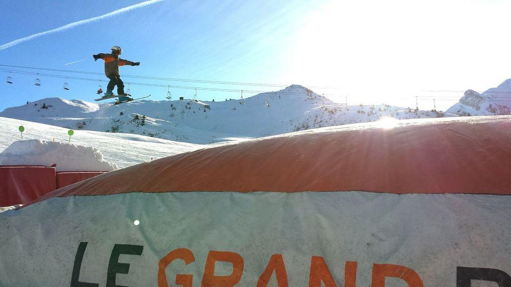 Skifoan Skiing Jump Amazing Place Friends