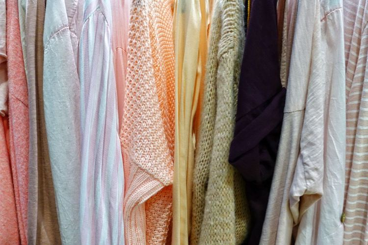 Shopping ♡ Womenswear Pastel Colors Springtime Spring Textures and Surfaces Texture Cotton Casual Clothing Comfortable Soft Female Store Multi Colored Full Frame Choice Hanging Textile Retail  Variation Store Business Finance And Industry Cloth Fabric Woolen Womenswear Clothes Material Clothes Rack Colorful