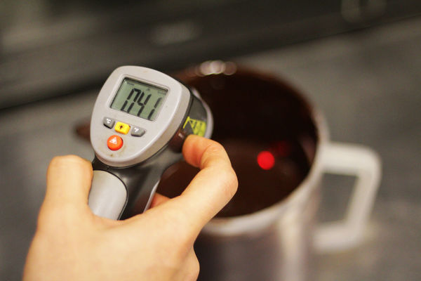 Chocolate Chocolate♡ Dessert Close-up Day Digital Display Focus On Foreground Holding Human Body Part Human Hand Indoors  One Person Real People Technology Temperature Thermostat