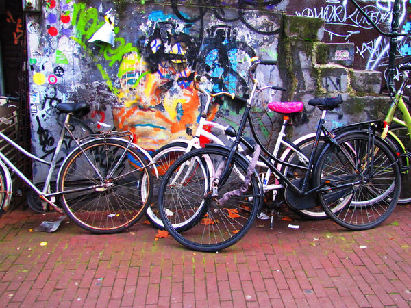 Bicycle Series Colors Day Graffiti Bycicle Cities No People Outdoors Parking Stationary Transportation Cycling Street Photography Wall - Building Feature Street Photography EyeEmBestShots Wall - Building Feature Cycling Photography Street LifeStreet Art Photography Architecture Architecture_collection