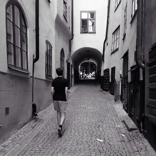 In the alleys of the Old Town MADE IN SWEDEN Streetphoto_bw Urban Geometry Blackandwhite