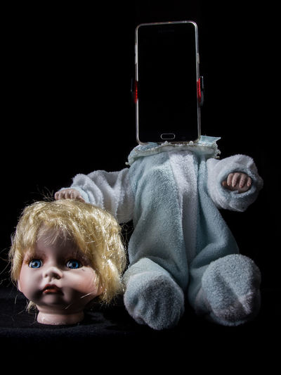 Doll Fear Horror Black Background Blond Hair Decapitated Disturbing Indoors  Smartphone Studio Shot