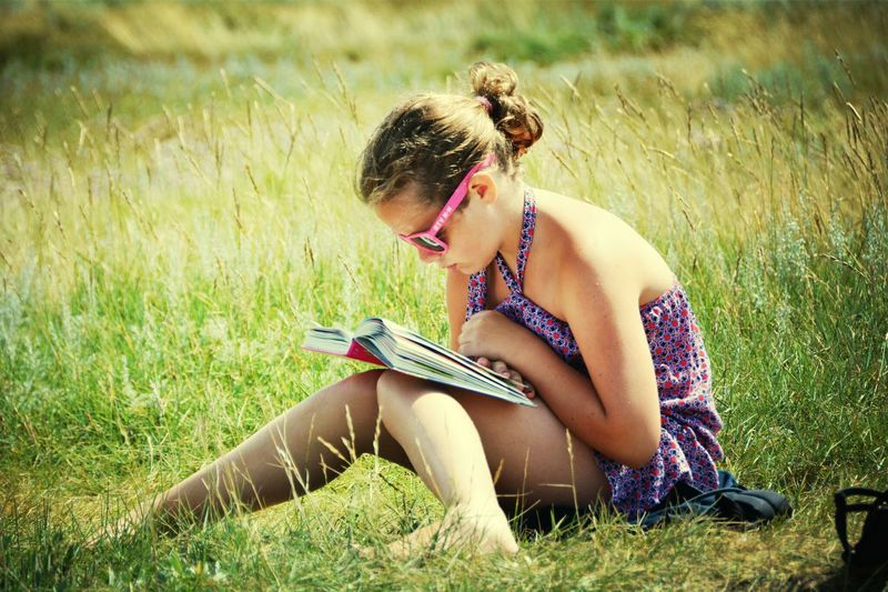 Relaxing Time To Read Check This Out Daughter