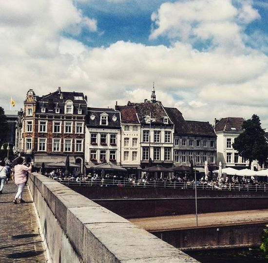 Streetphotography Wyckerbrugstraat Maastricht Canon EOS 1300D Fresh On Eyeem  City Life Buildings The Way Forward Fine Art Photography On The Way