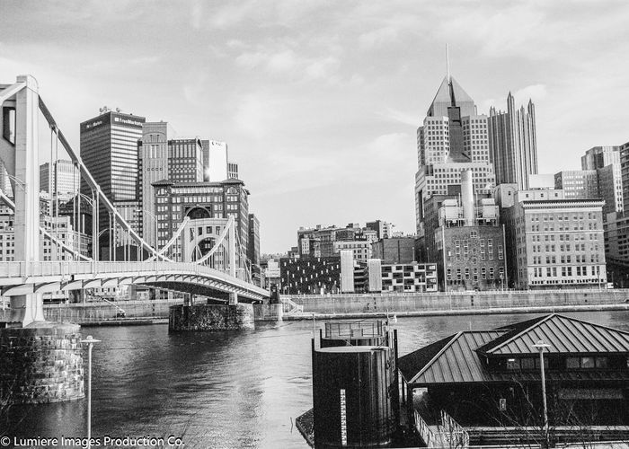 Eye4photography  Film Photography Monochrome 35mm Film Filmisnotdead EyeEm Gallery Shades Of Grey Fortheloveofblackandwhite Shootermag Film Film Is Not Dead Black And White Eye4black&white  EyeEm Best Shots The Traveler - 2015 EyeEm Awards Pittsburgh Downtown Pittsburgh