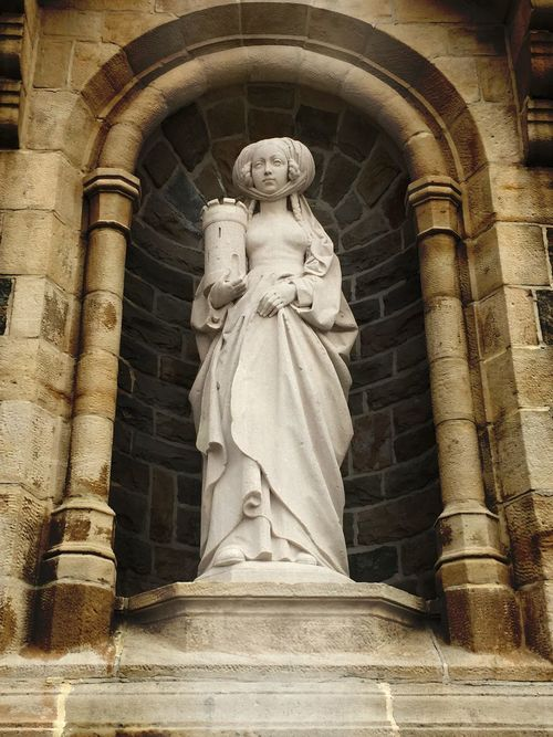 This is a statue of Holy Barbara,the patroness of the miners back in the day. Holy Statue Women Protector Miners Building Architecture Taking Photos First Eyeem Photo Standing Heilig Followme Like Beautiful Respectforwomen