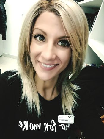 Work Time Blonde Blond Hair Face Selfie ✌ Smile Happy