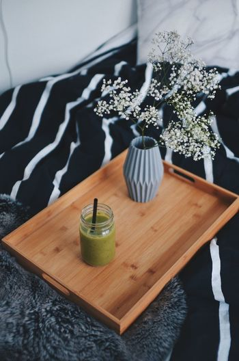 Little Break Bed Bed Dinner Bedroom Bedroom Decor Book Books Day Decor Drink Healthy Eating Healthy Lifestyle In Bed Eating Indoors  Interior Design Interior Style Lifestyle No People Reading & Relaxing Reading A Book Relaxing Table Vase Vase Of Flowers