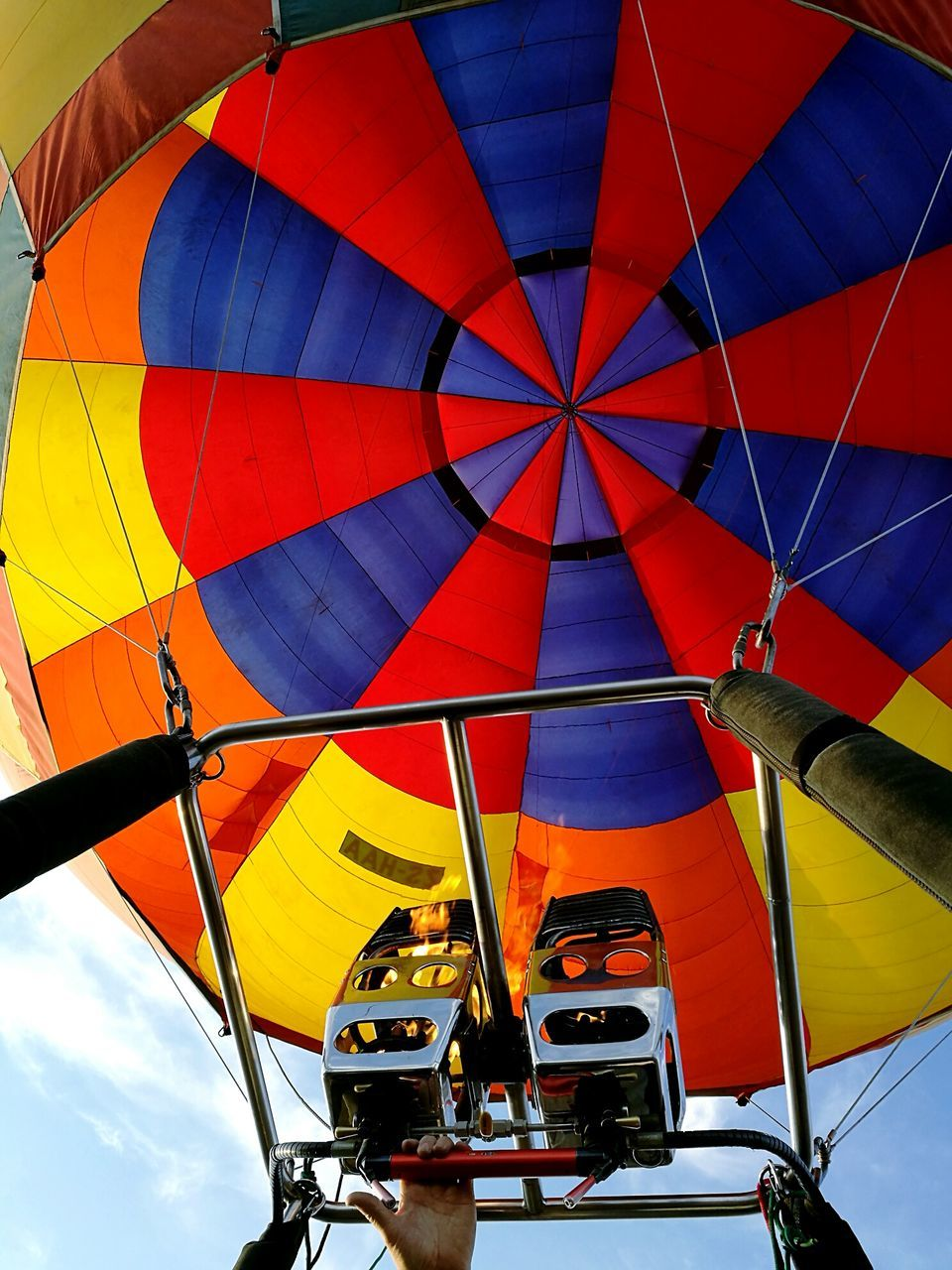 transportation, hot air balloon, mode of transport, adventure, multi colored, outdoors, day, no people, flying, sky, ballooning festival