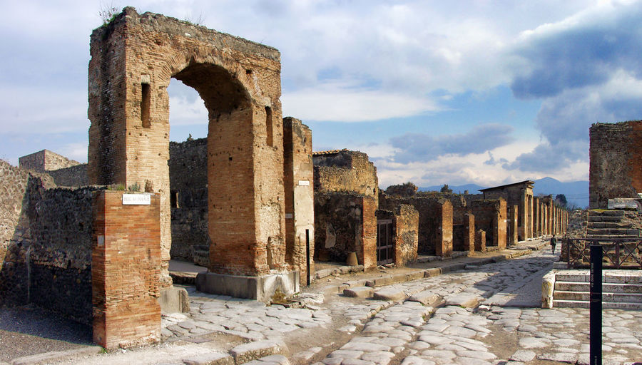 Pompeii  Pompeii Ruins Ancient Ancient Civilization Arch Of Caligula Archaeology Architecture History Old Ruin The Past