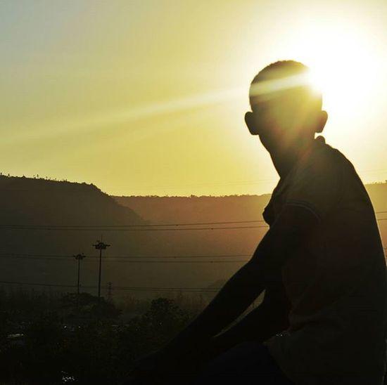 Never miss a sunset. :') Nikond3200 Planhatke Thehatke TIBMeet InkBucket Solitarypixels Myhappyframe Loveformygrid Intertwinedrealms Indiaclicks Simplicityeverywhere Exs_people Exs_landscape People And Places