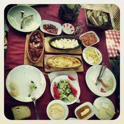 Karaaslan da kahvaltı :-D Yuvac ık Karaaslan Kahvalt ı Orman Dere Gfarukunal Buraku