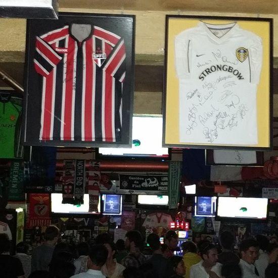 O melhor time do Brasil tinha que estar no melhor bar de esportes de NY!!! SPFC Tricolor Worldcup NY nyc vaiBrasil