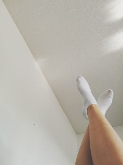 Human Leg Low Section Human Foot Human Body Part Indoors  One Person Only Women One Woman Only People Adults Only Leg One Young Woman Only Adult Close-up Day Young Adult Ceiling White Socks HuaweiP9