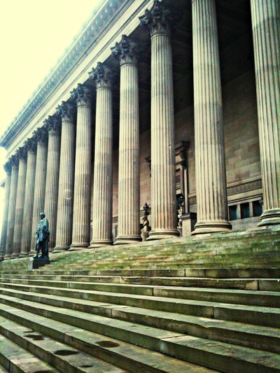 I love this building it's beautiful! Columns Architecture