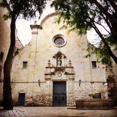 Place sant Felip Neri, Barcelona #splendiaHotels #ig_cityGuide splendiaHotels Ig_cityguide Splendiahotels