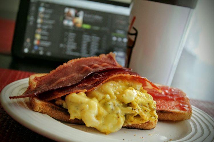 Soulful morning start.. Breakfast Baconeggandcheese Coffee Time Musiclover Neosoulflow Breakfast Sandwich